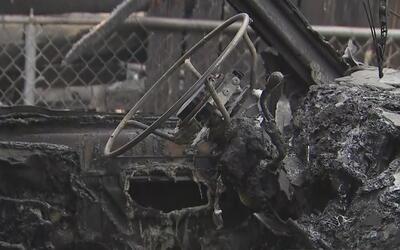 Registran dos incendios en garajes del vecindario Logan Square