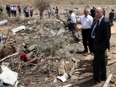 25 de enero: Un avión se estrelló frente a las costas de L...