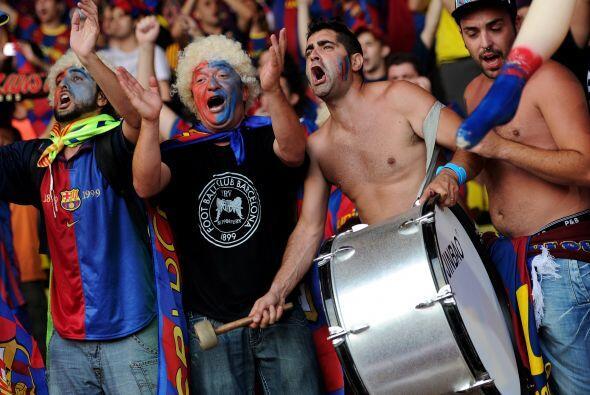 La Supercopa de Europa se definió entre el Barcelona y el Porto. Hinchas...