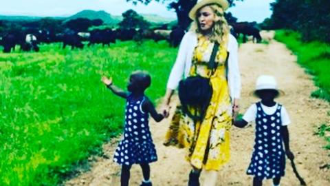 Madonna publicó esta imagen confirmando la adopción