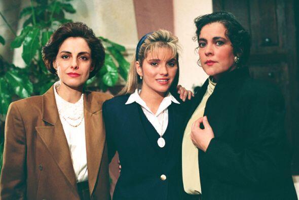 """Diana Bracho y Delia Casanova interpretaban a las hermanas """"Evangelina""""..."""