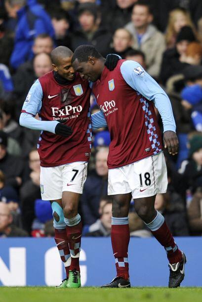 Emile Heskey consiguió el 2-1 en favor del Aston Villa.