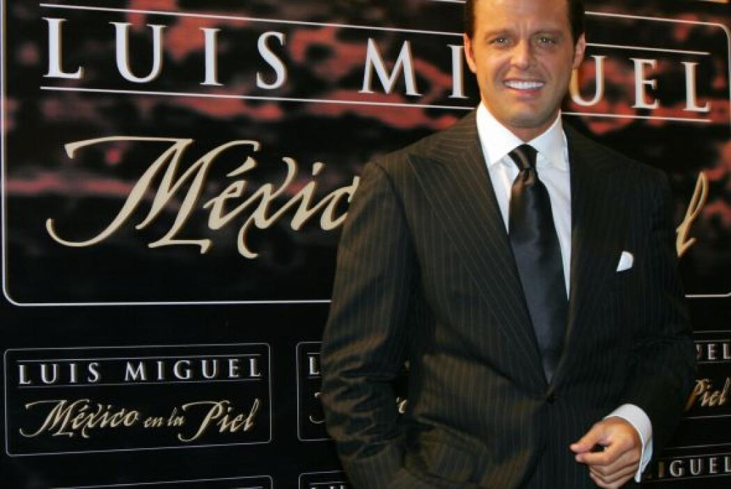Unas dicen que los años le han venido bien a Luis Miguel.