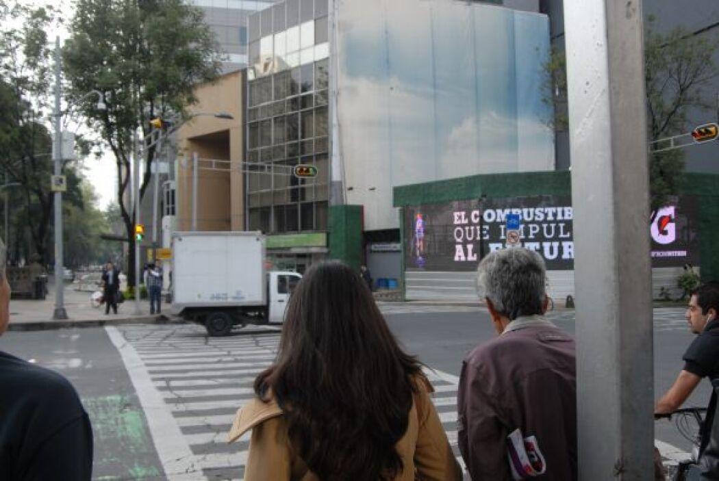 En el caos de las calles de Ciudad de México, los peatones cada día vive...