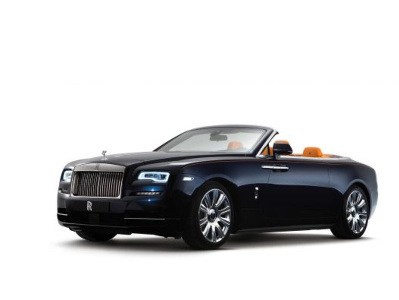 Rolls-Royce presentó el Dawn, su nuevo descapotable para que cuat...