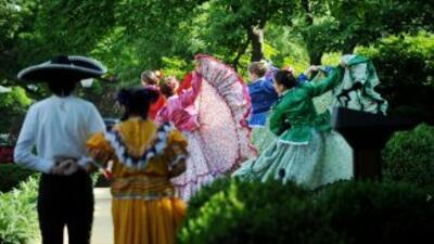 El Cinco de Mayo se exaltan las tradiciones mexicanas.