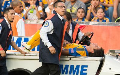 El volante de Tigres se lesionó la rodilla en el partido ante Veracruz.