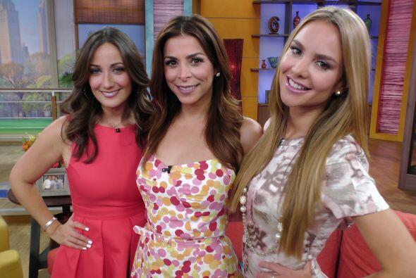 Ximena, Lourdes y Karla Monroig, quien también estuvo de conducto...