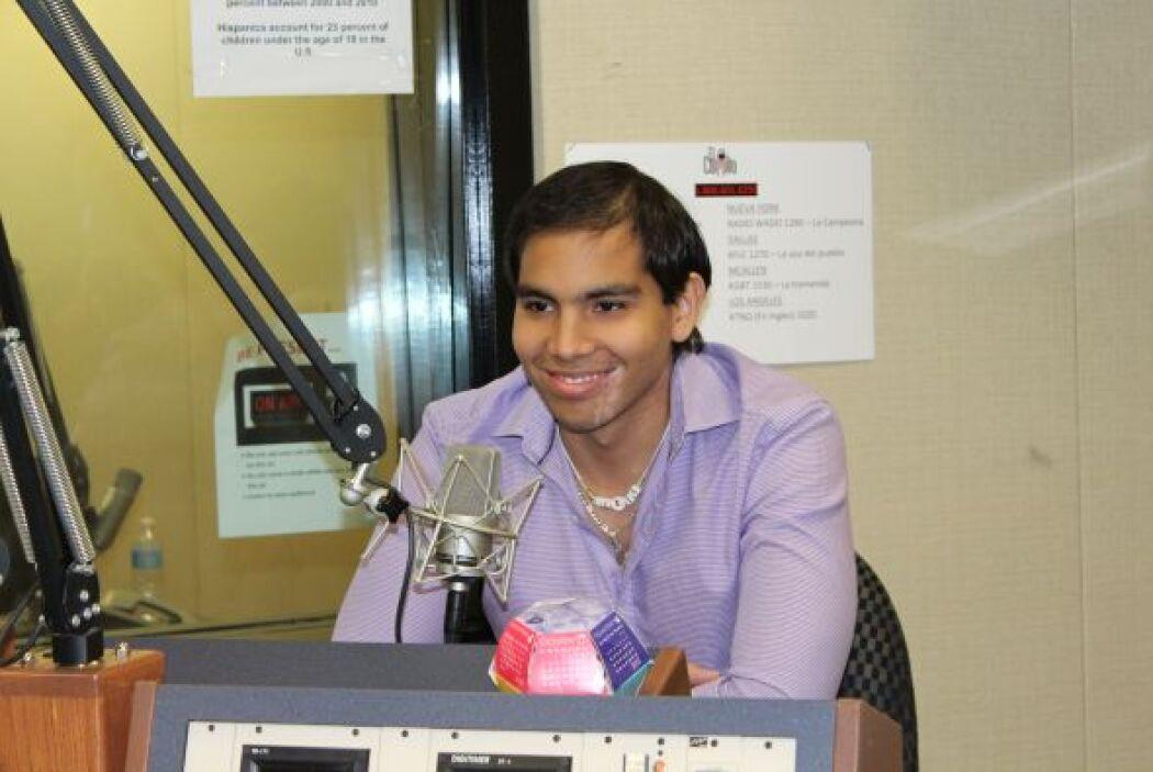 .Luis Enrique, un guapísimo joven de 20 años, llegó de Honduras a St. Ju...