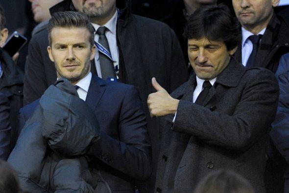 Leonardo felicitaba al equipo desde las gradas, mientras que 'Becks' apl...