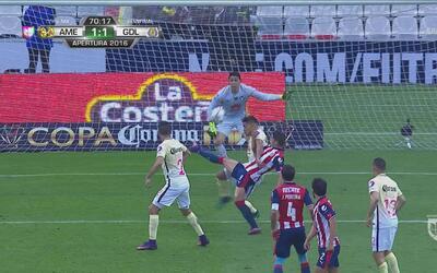 Pulido, con una gran anticipación, le dio el empate 1-1 a Chivas en el C...