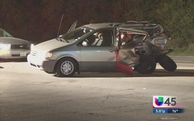 Accidente de auto deja un niño muerto y a su hermana en estado grave