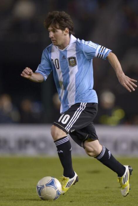 Y el astro del fútbol el argentino Lionel Messi ubicado en el peldaño 11...