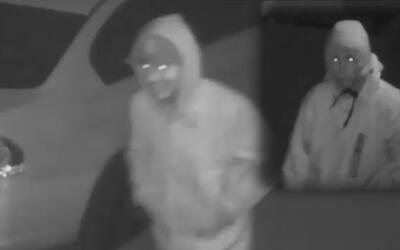 Policía busca dos violentos ladrones en serie en Queens