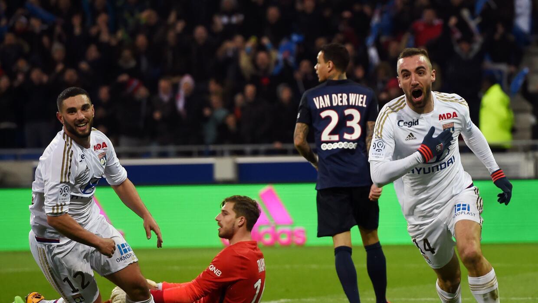 Lyon svenció al PSG y pone fin a su racha