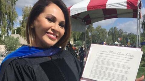 María Elena Salinas recibe doctorado honorario