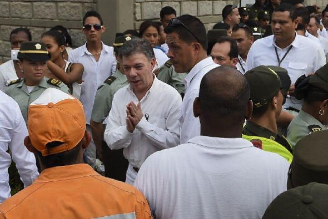Incluso el presidente de Colombia, Juan Manuel Santos, asistió al sepeli...