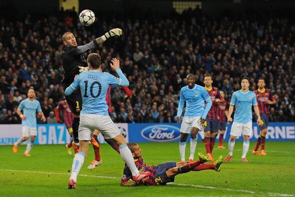 Valdés pasó trabajo en los primeros minutos.