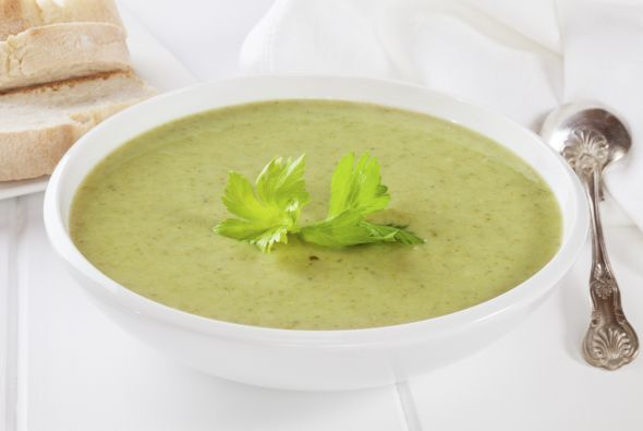 •8 tazas de caldo de pollo o de verduras  •2 tazas de cilantro lavado...
