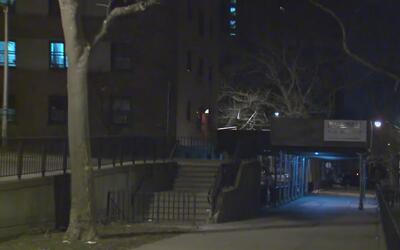 Una mujer fue apuñalada en Manhattan y el principal sospechoso es su exn...