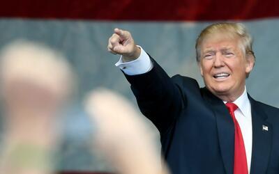 ¿Quién paga más impuestos, los inmigrantes indocumentados o Trump?