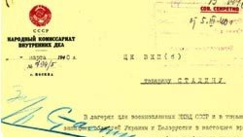 Rusia publicó documentos sobre la masacre de miles de oficiales polacos...