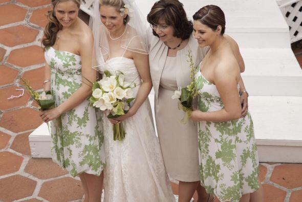 La tendencia. Los vestidos cortos para las damas de honor están en boga....