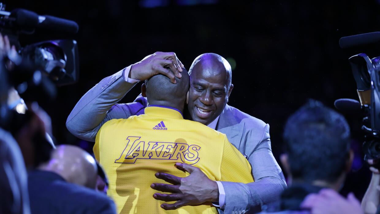 Magic se despide de Kobe y busca nuevas estrellas para los Lakers.