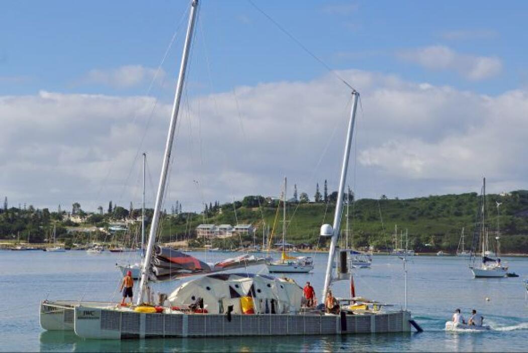 """37 """" NOUMÉA, Nueva Caledonia. Posición anterior 38. Una de las principal..."""