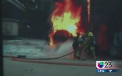 Violenta explosión en una estación de gasolina