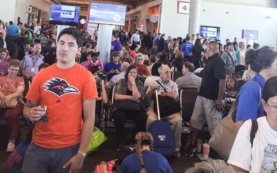 Viajeros en el aeropuerto Love Field de Dallas