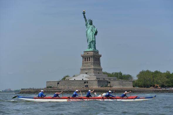Los daños a Liberty Island y la vecina Ellis Island costaron un estimado...