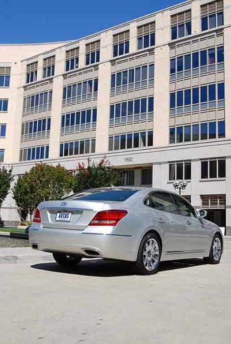 El Hyundai Equus está montado sobre una plataforma 7.2 pulgadas más gran...