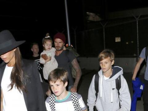 El ex futbolista inglés fue captado en el aeropuerto de Los &Aacu...