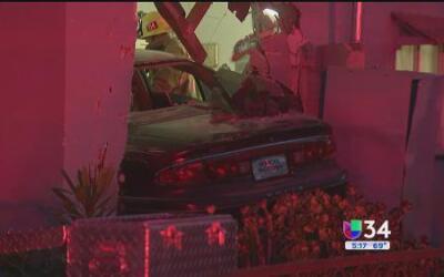 Revelan descripción de sospechosa de chocar su auto contra una casa en G...