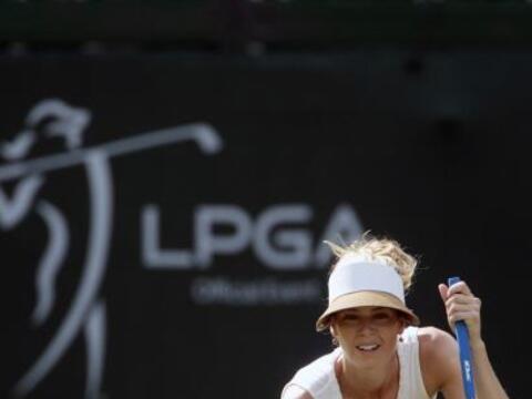 Además de ser una hermosa golfista, la australiana Anna Rawson es...