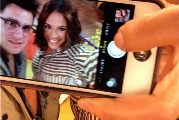 """Mi Selfie del Selfie de @karlatvmartinez"", bromeó Paul. (Mayo 13, 2014)"