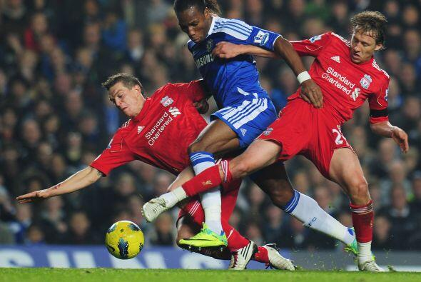 Didier Drogba arrancó como titular y en más de una ocasi&o...