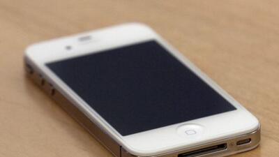 """El iPhone puede ser """"hackeado"""" de manera remota."""