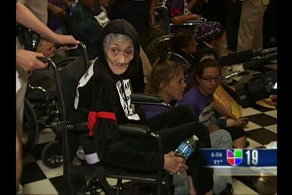 Discapacitados y ancianos entre los 46 arrestados por protestas en el Ca...