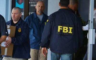 FBI adelanta operativo en unas oficinas del sureste de Houston