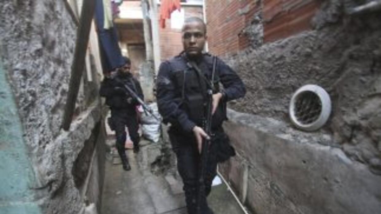 En la acción participaron al menos 400 uniformados, entre miembros de la...