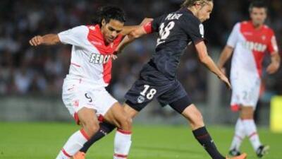 Radamel Falcao debutó con un gol en la Liga 1.