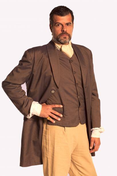 Francisco Javier Sabaraín (Andoni Ferreño) es el padre de Alejo. Nació e...