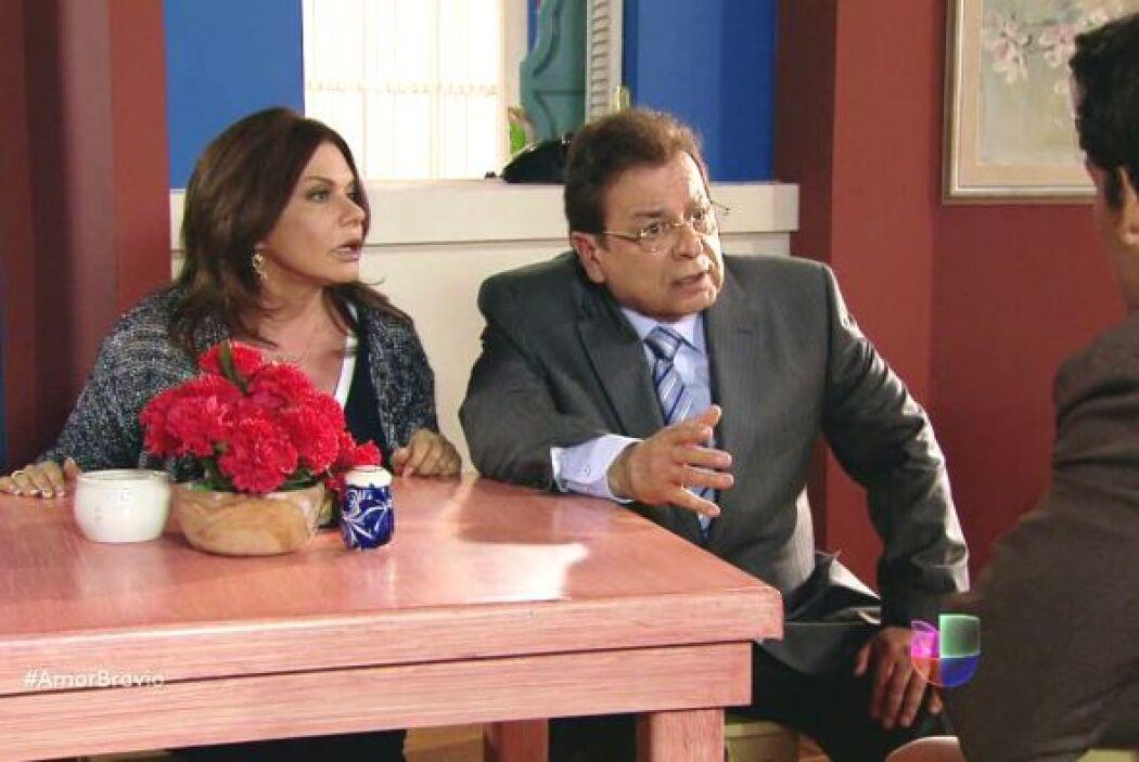 Osvaldo informa a Daniel que su situación en Chile ha quedado resuelto y...