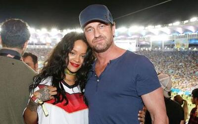 """La cantante estuvo muy buen acompañada del actor de """"300"""" Gerard Butler...."""
