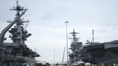 Un marino y un civil fallecieron en un tiroteo en la base naval de Norfo...