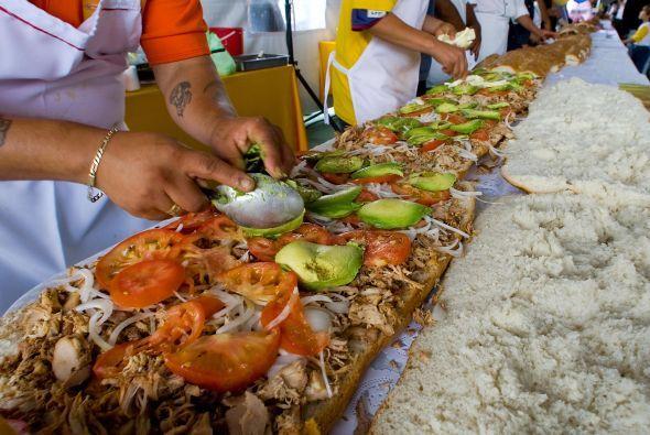 Cada año se lleva  a cabo en la Ciudad de México la Feria de la Torta. D...