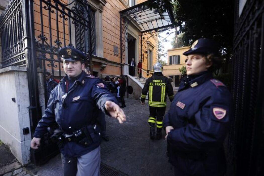 Momentos después, la Policía verificó un paquete sospechoso en la embaja...
