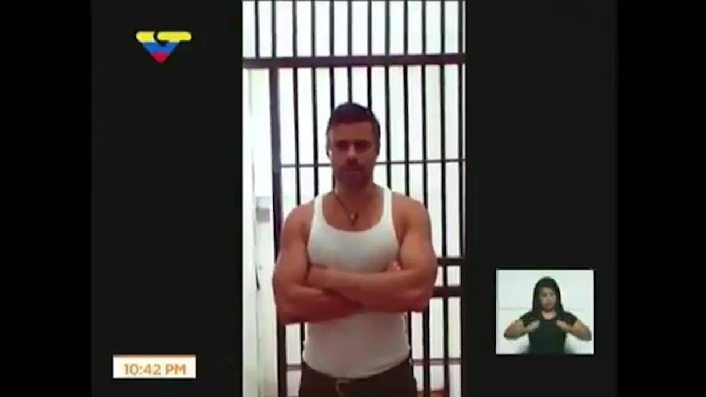 Gobierno venezolano muestra un video del preso político Leopoldo López t...